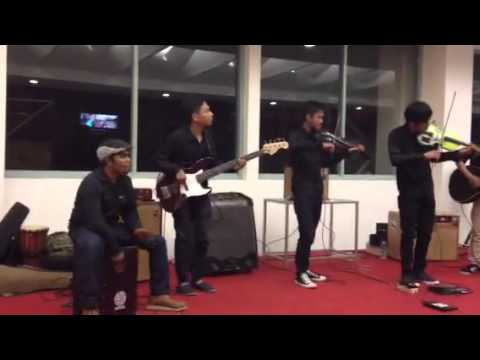 RMHR 57 Kustik - Toss The Feathers cover