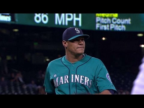 CWS@SEA: Medina buckles Ramirez on nasty curveball