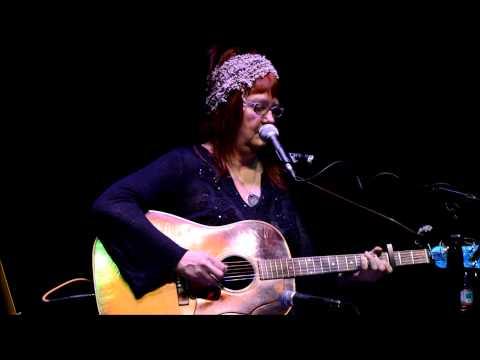 Linda McRae Four and Twenty Blackbirds at the Strand Theater 3-26-15we