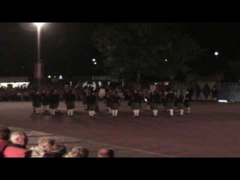 Market-Garden-Commemoration016 Batavorum pipes and drums 03