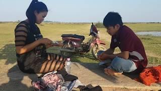 រឿងកំប្លែងខ្លីៗ, សំណើចថ្មី លេងបៀដោះខោអាវ ក្រុម គង់យូរ,Khmer Funny Movies Clip