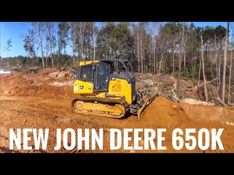 John Deere 650k dozer building a logging road