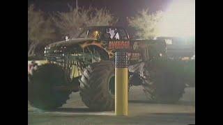 Avenger vs King Krunch Monster Jam World Finals Racing Round 1 2000