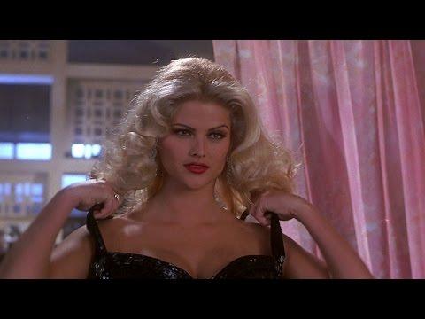 Naked Gun 33⅓: The Final Insult - Tanya seduces Frank