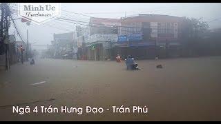 TT Bồng Sơn [Hoài Nhơn, Bình Định] ngập trong biển nước chiều ngày 9/12