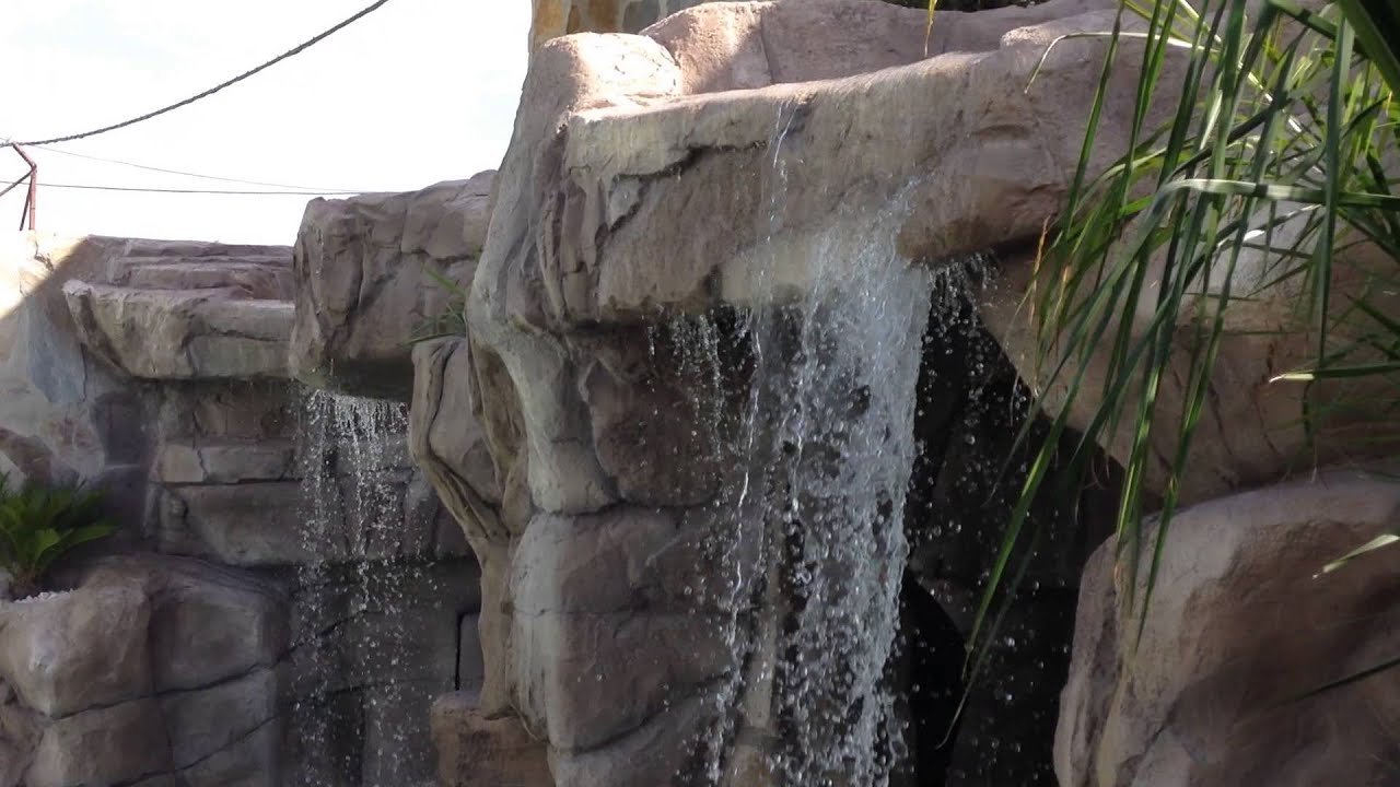 dise o y construcci n de cascadas de piscinas en sevilla On construccion de cascadas para piscinas