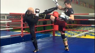 Striking Coach vs MMA coach: specialist vs generalist - sparring with commentary