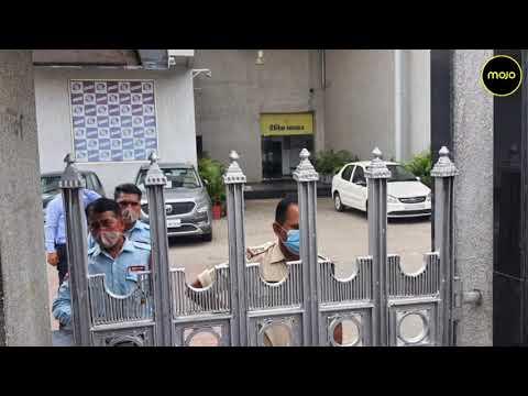 Income Tax Raids Dainik Bhaskar Group In Bhopal, Jaipur   UP's Bharat Samachar Also Raided