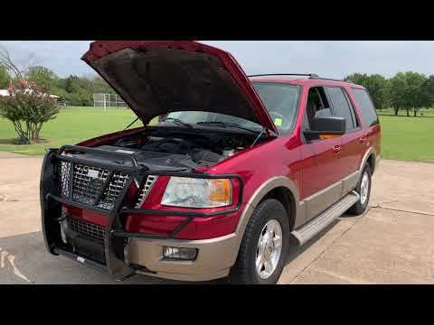 2004 RED Ford Expedition Eddie Bauer 5.4L 2WD (1FMPU17L44L) with an 5.4L V8 SOHC 16V engine, 4-Speed Automatic Overdrive transmission, located at 17760 Hwy 62, Morris, OK, 74445, (918) 733-4887, 35.609104, -95.877060 - Photo #0