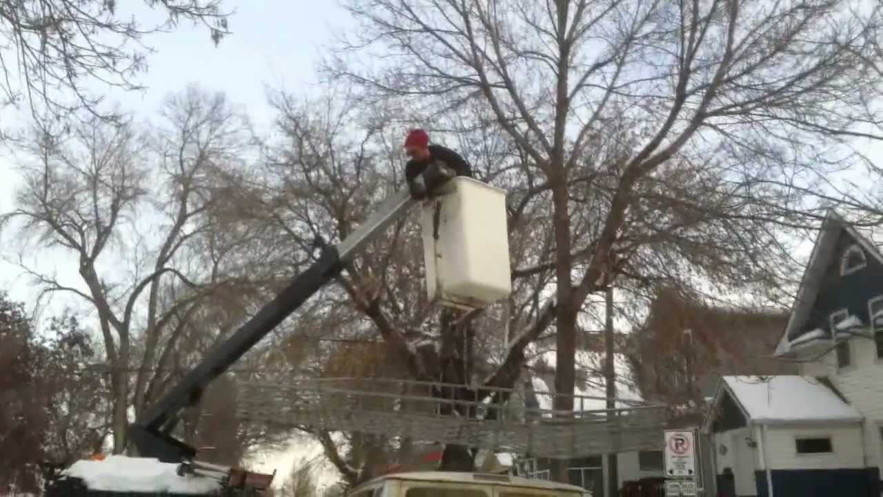 How Not To Use A Bucket Truck