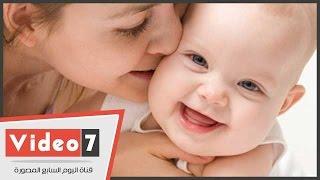 بالفيديو..تعرف على كيفية تنمية حاسة الشم عند الطفل حديث الولادة والروائح المفضلة له