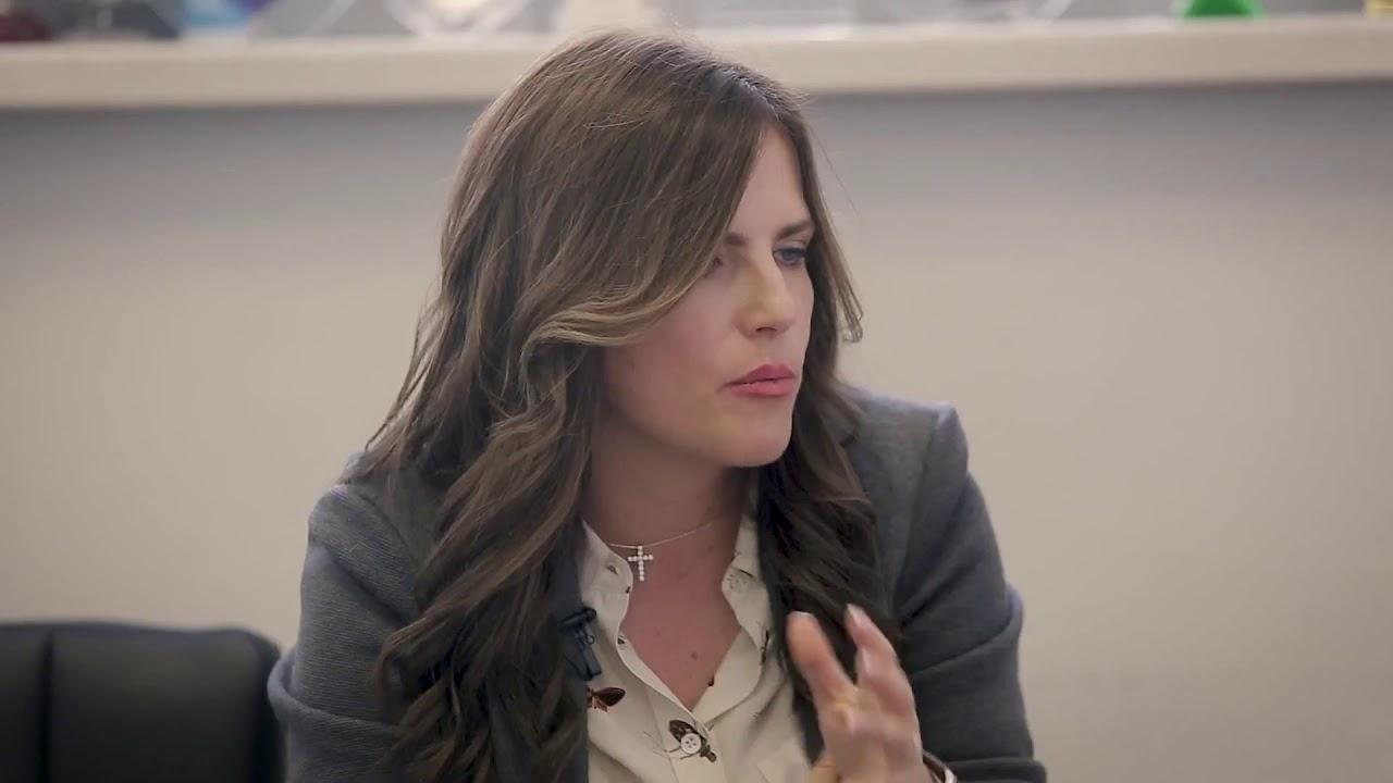 Sarah walker yvonne strahovski dating
