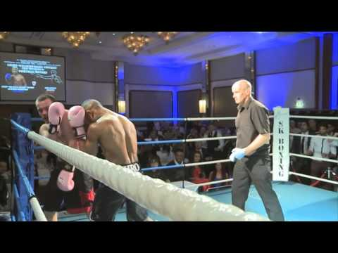 Crowne Plaza 8th Feb 2014 - Ahmed Ibrahim vs John Spencer