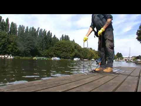 Magnet Fishing Kingston upon Thames. 11-08-17. Camera 2 Sony CamCorder.#9B
