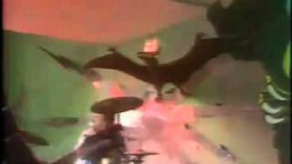 The Clash - Londons Burning, French TV (28-09-77)