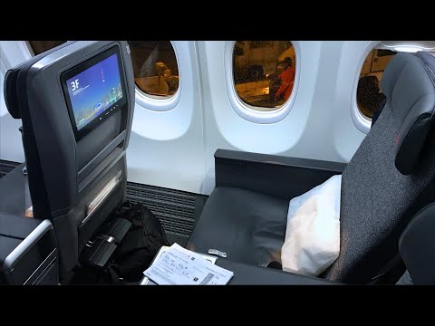 Business Class On Boeing 737 MAX 8 | Air Canada Montreal To Toronto | With Maple Leaf Lounge