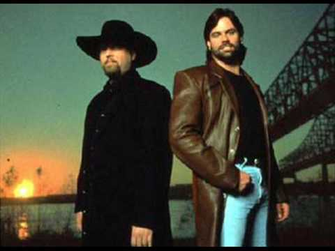 Montgomery Gentry-One in Every Crowd (Lyrics)