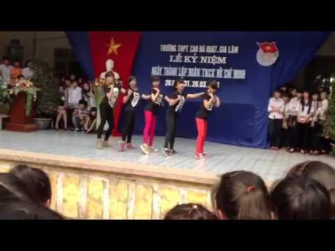 Nhảy hiện đại 12a11 Thpt Cao Bá Quát- Gia Lâm