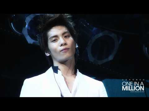110820 Jonghyun's Long Sexy Stare at Noona's Camera! (OMG!) @ SWC Nanj!ng