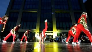 Батл в кедах. Фестиваль по брейк-дансу.(Грандиозное танцевальное событие произошло в Беларуси 24 августа! Это был отборочный этап на легендарный..., 2012-08-25T07:07:46.000Z)