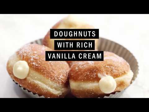 Doughnuts With Rich Vanilla Cream