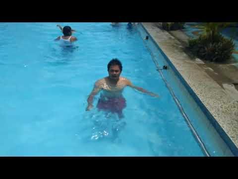 Benarkah Berenang Bisa Mengatasi Saraf Terjepit?.