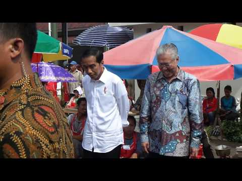 Ketika Presiden Joko Widodo Berbelanja di Pasar Tradisional