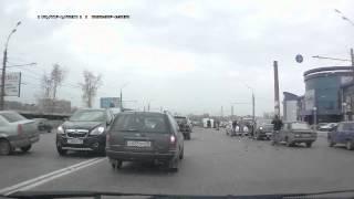 """В Ижевске """"Газель"""" перевернулась после столкновения с """"Рено Логан"""""""