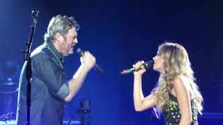 "Blake Shelton ""Lonely Tonight"" (feat. Carly Pearce) Live @ Wells Fargo Center Video"
