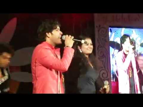tinku jiya by Divya srivastava with Javed Ali at Taj Mahotsav 2012