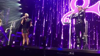 Video Dixie Chicks cover Nothing Compares 2 U (Prince/Sinead O'Connor) - Oakland, CA download MP3, 3GP, MP4, WEBM, AVI, FLV Agustus 2018