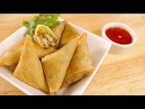 Easy Curry Puff Recipe (Thai-Style Samosa) กะหรี่ปั๊บ