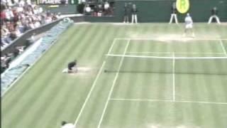 Very funny grunting tennis rally