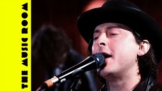 """Carl Barat And The Jackals """"Victory Gin"""" // The Music Room Live at The Hospital Club"""