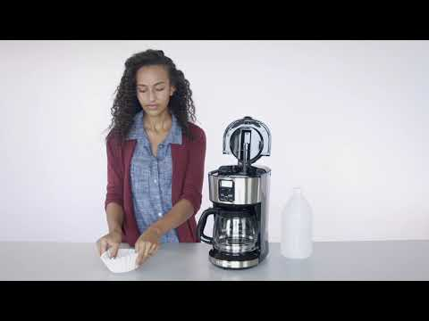 Black+Decker - How to Clean your Coffeemaker - AutoClean Function