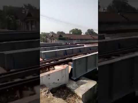 Detik detik Kereta Api Terbalik Di Stasiun Balapan Solo