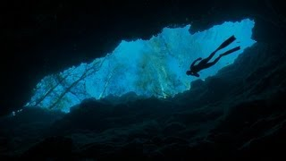 Freediving the Caves at Ginnie Springs Part 1 - The Amazing Dives of the World - The Other Blue