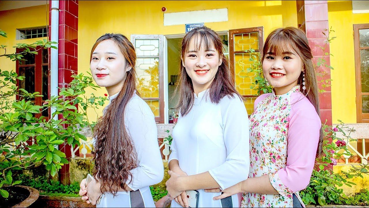 Học sinh Trung tâm GDTX tỉnh Yên Bái trong ngày Khai trường