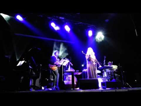 Aga Zaryan - Avec les temps (live, Palladium)