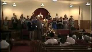 """He Lifted Me Out"" Mount Carmel Baptist Church Choir, Fort Payne Alabama"