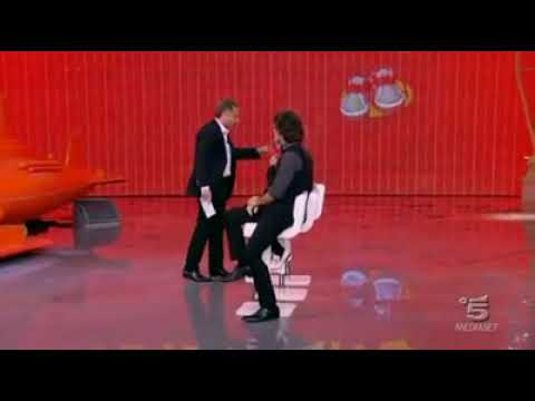 Chi ha incastrato Peter Pan - scena divertente durante le prove con Luca Laurenti protagonista.