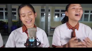 Cover lagu Perpisahan Termanis Lovarian Band oleh tim videografi SMPK Soverdi