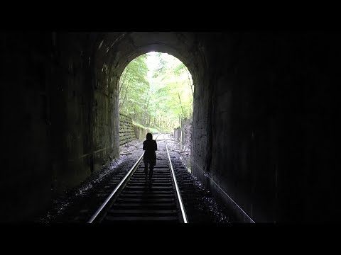 Exploring (With NO Flashlights!) a Pennsylvania Train Tunnel Built in 1903