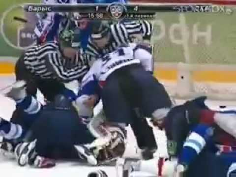 Zubov, Esche, Saprykin, Dallman in a massive KHL brawl, goalie fights defenceman