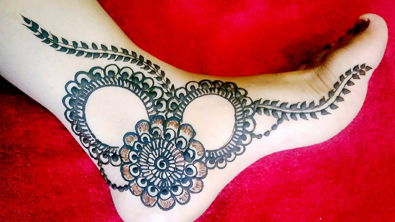 Mehndi Designs Feet N : Simple mehndi designs that look fab and stylish