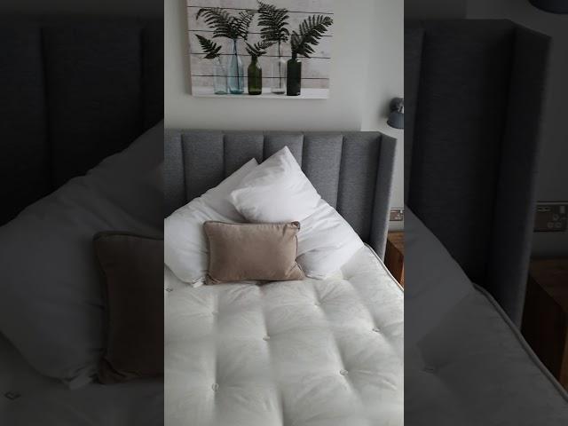EN SUITE ROOM - luxurious professional house! Main Photo