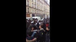 Manifestation devant le commissariat du 10e arrondissement !
