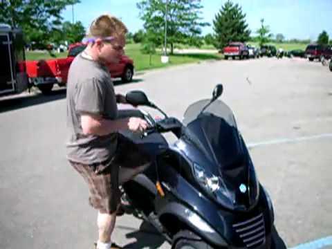 2008 Piaggio MP3 scooter Review Piaggio