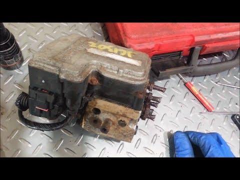 1999-2002 GMC Silverado 1500 C0265 anti-lock brake unit replacement