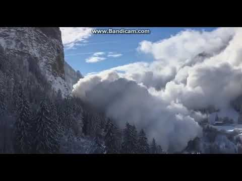 A giant avalanche in Switzerland Mp3